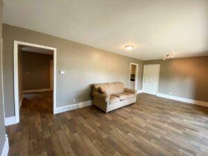 813 NE 8t Street in Madison, SD - Living Room