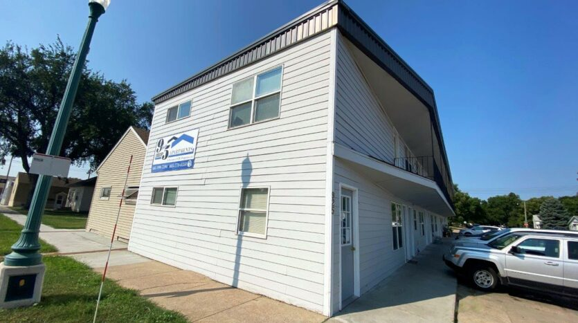 9Two5 Apartments in Mitchell, SD - Exterior