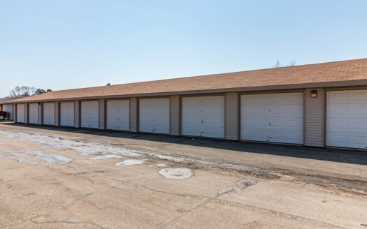 Colony West Townhomes Garages in Watertown, SD